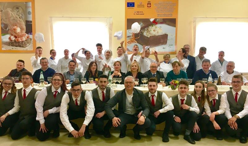 """""""La Guida al Buongusto"""" all'Istituto alberghiero di Fasano"""
