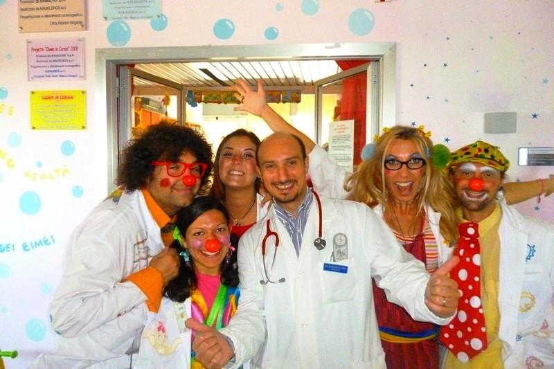 """2007 – 2017:10 anni di clown terapia in P.O. """"A. Perrino"""" di Brindisi"""
