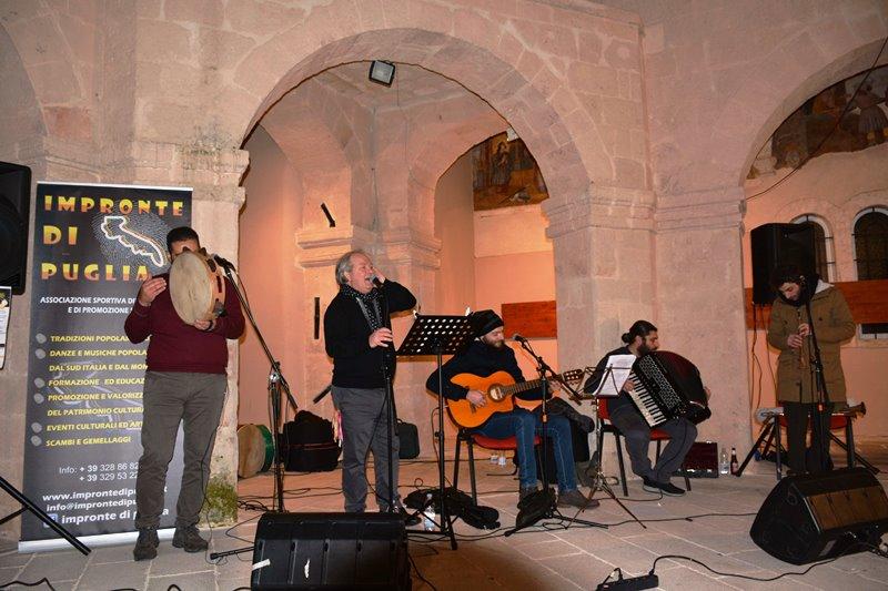 Apprezzato concerto di musica popolare  a tappe a Fasano