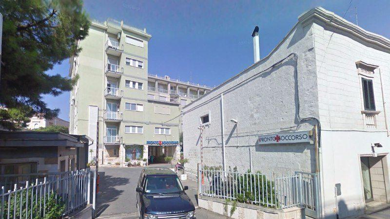 Chiudono i centri Covid di Fasano e Cisternino